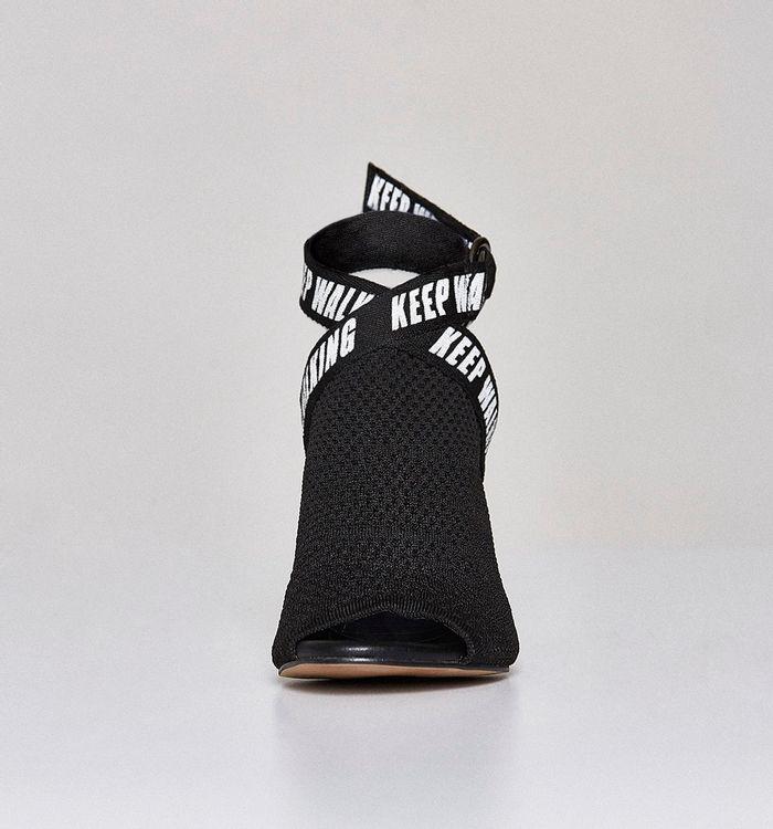 zapatoscerrados-negro-s341866-1