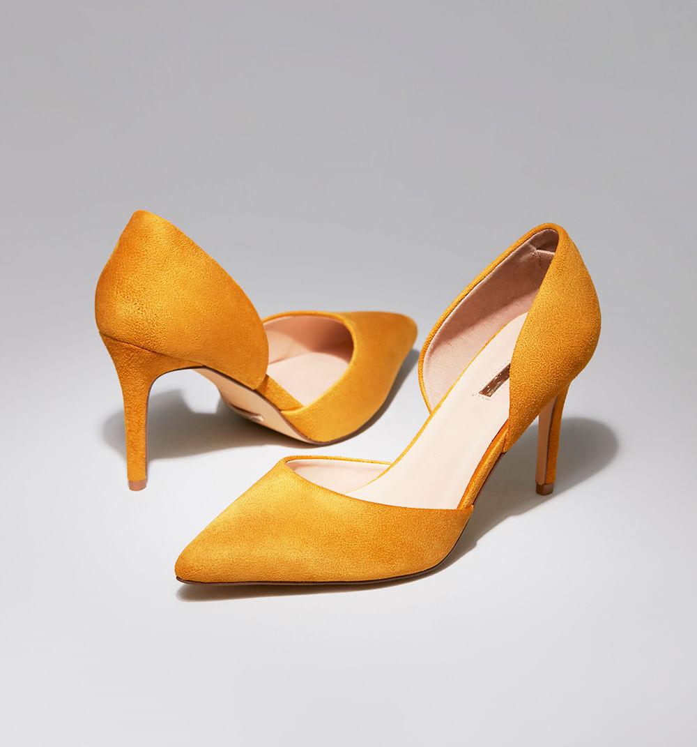 zapatoscerrados-amarillo-s361374a-1