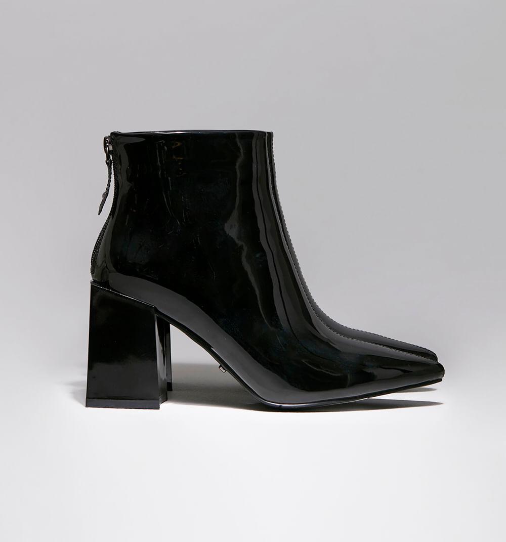 zapatoscerrados-negro-s084756m-1