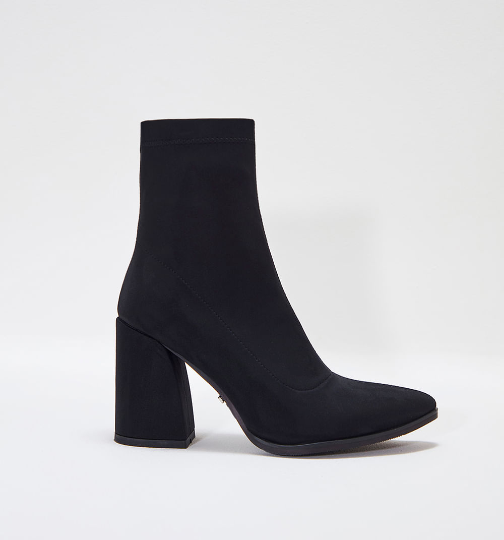 zapatoscerrados-negro-s084810m-01